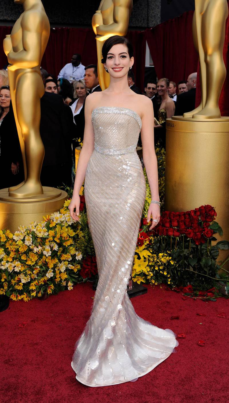 US actress Anne Hathaway arrives on the red carpet for the 81st Academy Awards at the Kodak Theatre in Hollywood, California, USA, 22 February 2009. The Academy Awards honor excellence in cinema.  EPA/ANDREW GOMBERT