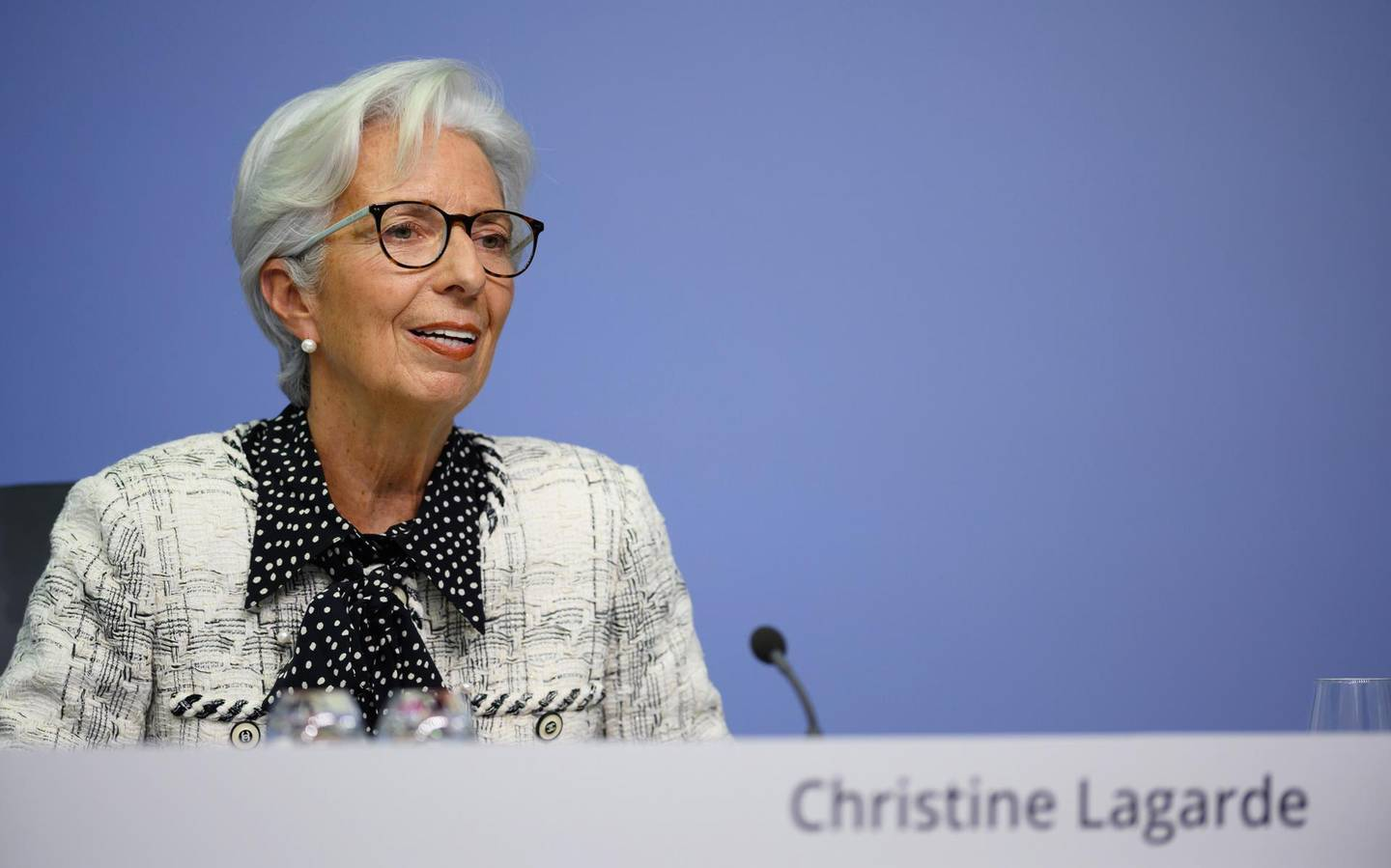 epa08783757 A handout photo made available by European Central Bank shows European Central Bank (ECB) President Christine Lagarde during a press conference following the meeting of the Governing Council of the European Central Bank in Frankfurt am Main, Germany, 29 October 2020.  EPA/SANZIJANA PERJU / EUROPEAN CENTRAL BANK / HANDOUT  HANDOUT EDITORIAL USE ONLY/NO SALES