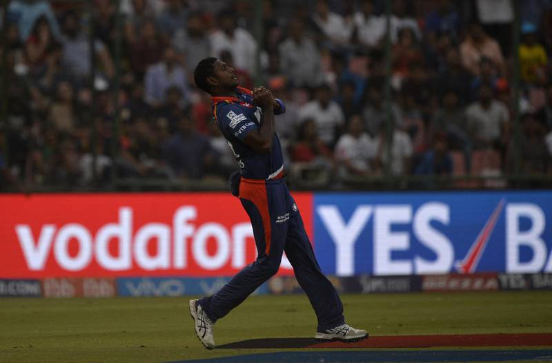Delhi Daredevils cricketer Angelo Mathews takes a catch dismissing Kolkata Knight Riders batsman Gautam Gambhir during the 2017 Indian Premier League (IPL) Twenty20 cricket match between Delhi Daredevils and Kolkata Knight Riders at the Feroz Shah Kotla cricket stadium in New Delhi on April 17, 2017. ------IMAGE RESTRICTED TO EDITORIAL USE - STRICTLY NO COMMERCIAL USE----- / GETTYOUT------ (Photo by CHANDAN KHANNA / AFP) / ----IMAGE RESTRICTED TO EDITORIAL USE - STRICTLY NO COMMERCIAL USE----- / GETTYOUT