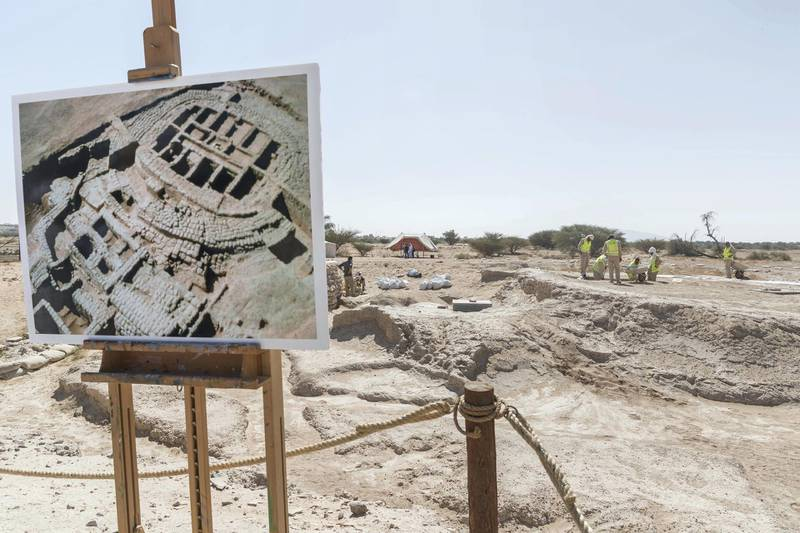 AL AIN, UNITED ARAB EMIRATES. 19 November 2017. Tour of the historically important archaeological site in Hili, Al Ain. A poster on site shows the layout of the previous structures foundations. (Photo: Antonie Robertson/The National) Journalist: John Dennehy. Section: Weekend.
