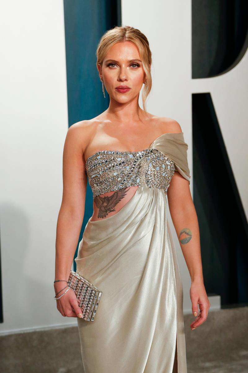 epa08209903 Scarlett Johansson attends the 2020 Vanity Fair Oscar Party following the 92nd annual Academy Awards ceremony in Beverly Hills, California, USA, 09 February 2020 (Issued 10 February 2020).  EPA-EFE/RINGO CHIU