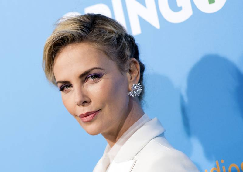 TOPSHOT - Actress Charlize Theron attends Amazon Studios' world premiere of 'Gringo' on March 6, 2018 in Los Angeles, California. / AFP PHOTO / VALERIE MACON