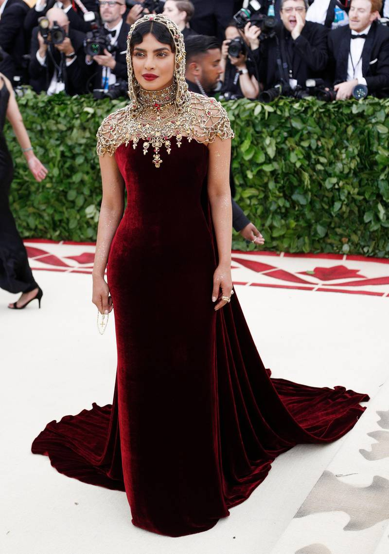 epa06718052 Priyanka Chopra arrives on the red carpet for the Metropolitan Museum of Art Costume Institute's benefit celebrating the opening of the exhibit 'Heavenly Bodies: Fashion and the Catholic Imagination' in New York, New York, USA, 07 May 2018. The exhibit will be on view at the Metropolitan Museum of Art's Costume Institute from 10 May to 08 October 2018.  EPA-EFE/JUSTIN LANE