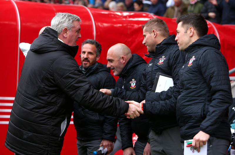 SOUTHAMPTON, ENGLAND - MARCH 07: Steve Bruce, Manager of Newcastle United shakes hands with backroom staff from Southampton during the Premier League match between Southampton FC and Newcastle United at St Mary's Stadium on March 07, 2020 in Southampton, United Kingdom. (Photo by Charlie Crowhurst/Getty Images)