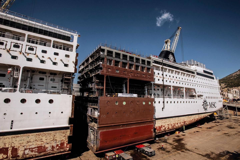 Lengthening of a ship by MSC at Fincantieri. Pucci Scafidi / Fincantieri SpA