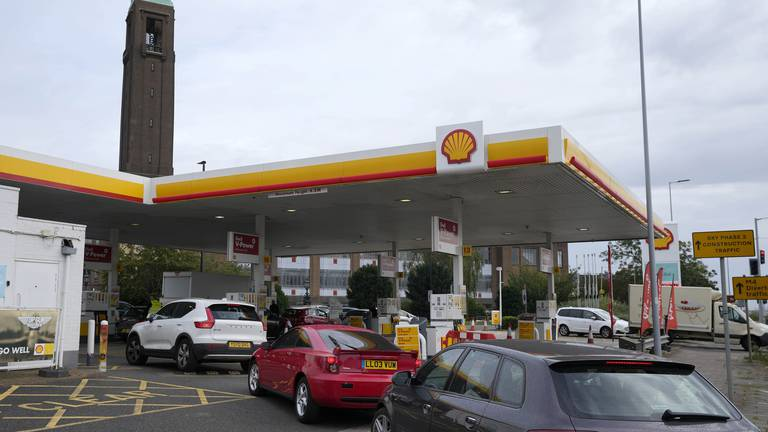 An image that illustrates this article UK petrol prices hit 9-year high as ministers urged to consider tax cut