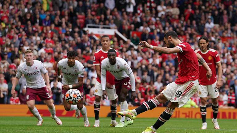 An image that illustrates this article Misery for Man United after Fernandes penalty miss seals Villa defeat