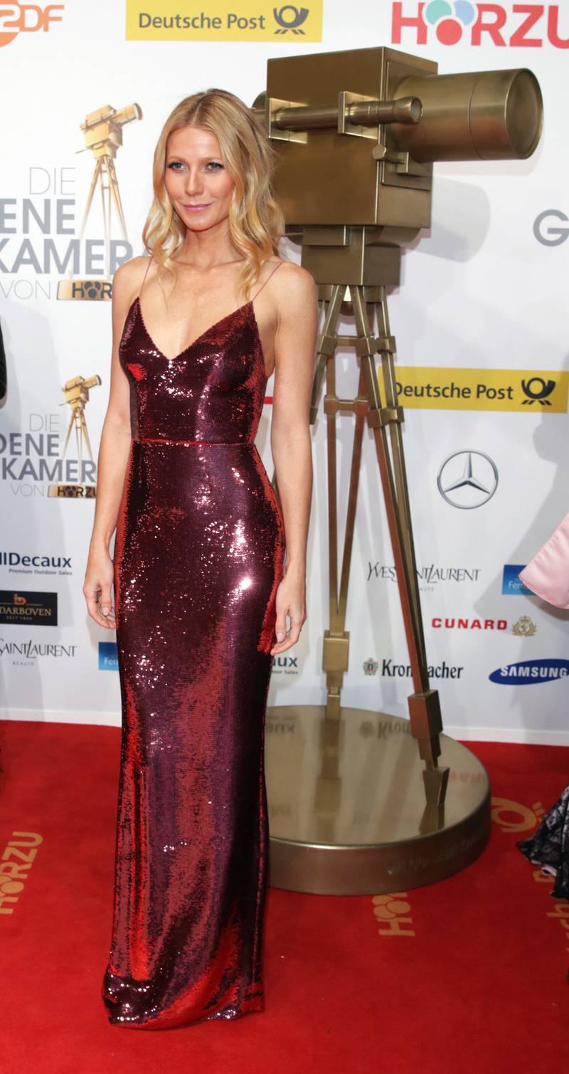 epa04051944 US actress Gwyneth Paltrow arrives for the 49th annual Goldene Kamera (Golden Camera) film and television award ceremony at Flughafen Tempelhof in Berlin, Germany, 01 February 2014.  EPA/JOERG CARSTENSEN