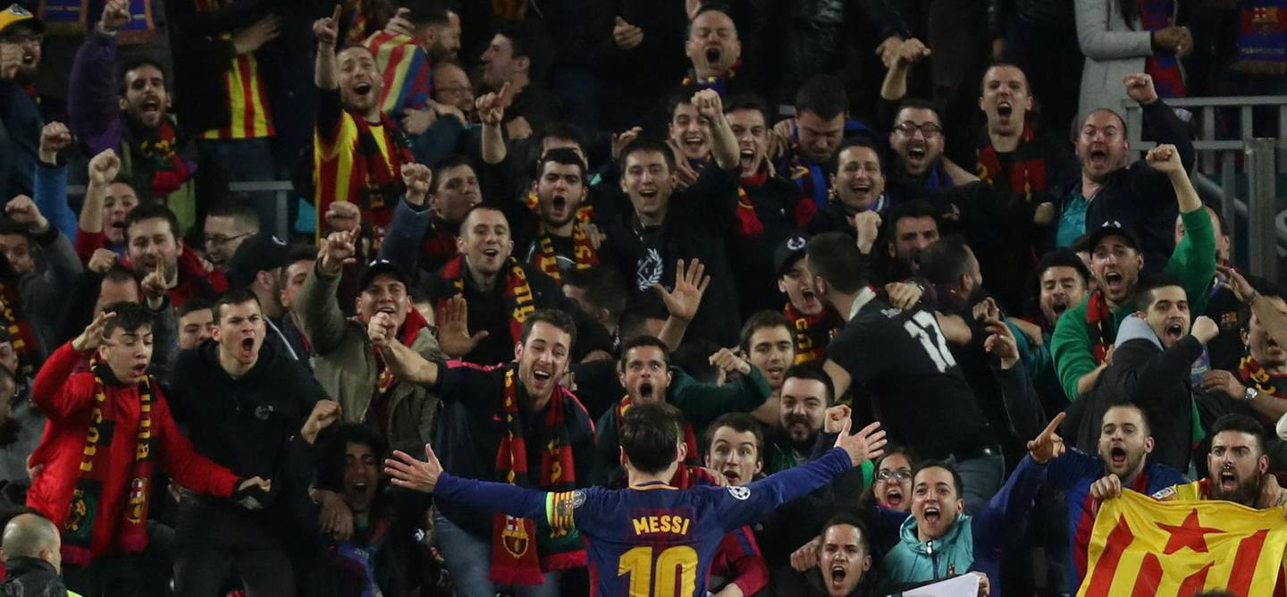 Soccer Football - Champions League Round of 16 Second Leg - FC Barcelona vs Chelsea - Camp Nou, Barcelona, Spain - March 14, 2018   Barcelona's Lionel Messi celebrates scoring their third goal in front of fans              REUTERS/Susana Vera