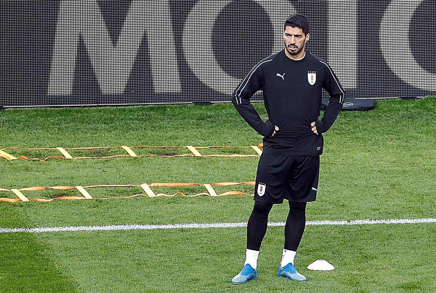 epa06807319 Uruguay's Luis Suarez (C) attends a training session at Central Stadium in Ekaterinburg, Russia, 14 June 2018. Uruguay will face Egypt  in the FIFA World Cup 2018 Group A preliminary round soccer match on 15 June 2018.  (RESTRICTIONS APPLY: Editorial Use Only, not used in association with any commercial entity - Images must not be used in any form of alert service or push service of any kind including via mobile alert services, downloads to mobile devices or MMS messaging - Images must appear as still images and must not emulate match action video footage - No alteration is made to, and no text or image is superimposed over, any published image which: (a) intentionally obscures or removes a sponsor identification image; or (b) adds or overlays the commercial identification of any third party which is not officially associated with the FIFA World Cup).  EPA/ROMAN PILIPEY   EDITORIAL USE ONLY  EDITORIAL USE ONLY