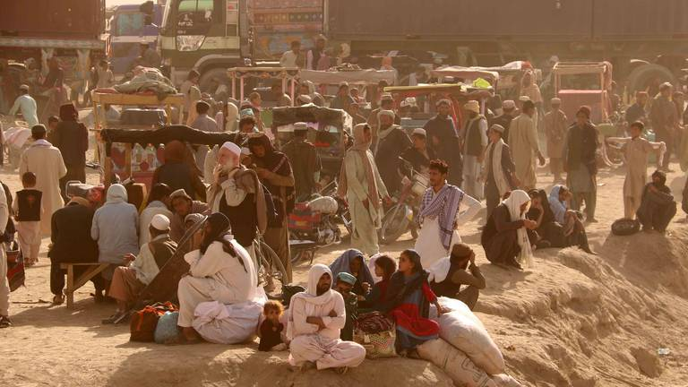 An image that illustrates this article Pakistani authorities deport Afghan refugees fleeing Taliban