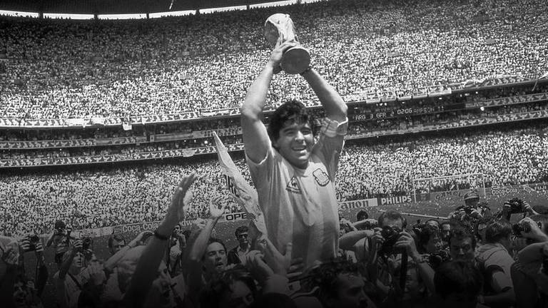 An image that illustrates this article Argentina legend Diego Maradona dies at 60