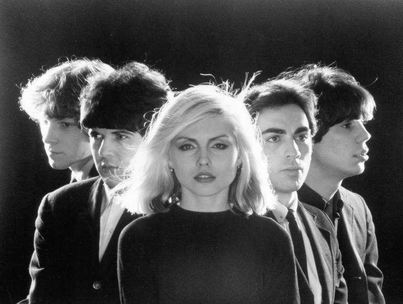 1976:  American rock group Blondie (L-R: Gary Valentine, Clem Burke, Debbie Harry, Chris Stein and Jimmy Destri) pose for portrait to promote their debut album 'Blondie' in 1976   (Photo by Michael Ochs Archives/Getty Images)
