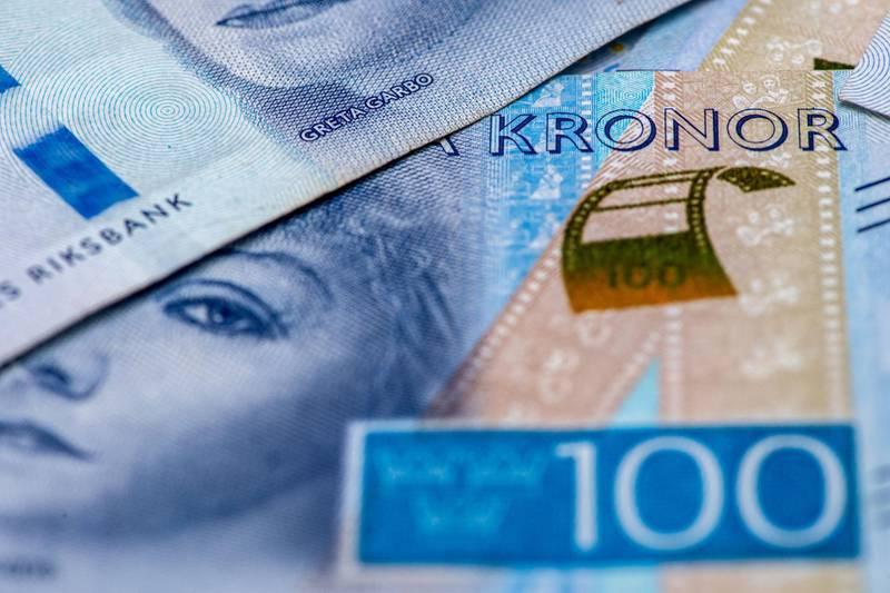 A set of 100 Swedish Krona banknotes in London, U.K. Photographer: Chris J. Ratcliffe/Bloomberg