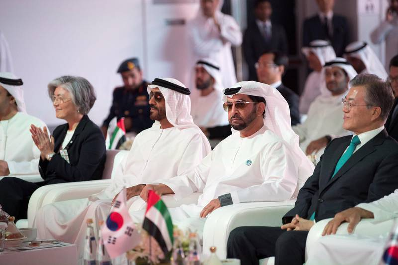AL DHAFRA, ABU DHABI, UNITED ARAB EMIRATES - March 26, 2018: HE Moon Jea-In, President of South Korea (R), HH Sheikh Hamdan bin Zayed Al Nahyan, Ruler's Representative in Al Dhafra Region  (2nd R) and HH Sheikh Nahyan Bin Zayed Al Nahyan, Chairman of the Board of Trustees of Zayed bin Sultan Al Nahyan Charitable and Humanitarian Foundation (3rd R), attend the Unit One Construction Completion Celebration, at Barakah Nuclear Energy Plant.   ( Abdullah Al Junaibi ) ---