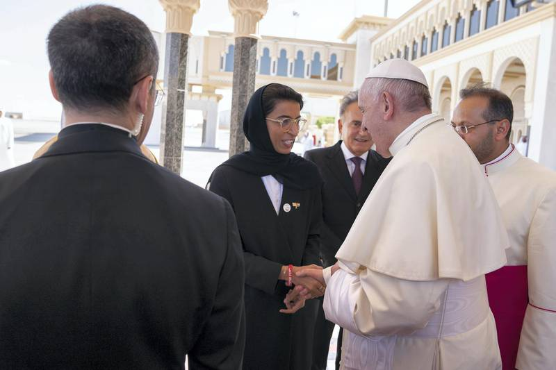ABU DHABI, UNITED ARAB EMIRATES - February 05, 2019: Day three of the UAE Papal visit - HE Noura Mohamed Al Kaabi UAE Minister of Culture and Knowledge Development (L) bids farewell to His Holiness Pope Francis, Head of the Catholic Church (R), at the Presidential Airport.    ( Mohamed Al Hammadi / Ministry of Presidential Affairs ) ---
