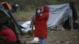 Hundreds of migrants in Bosnian camp living in dismal conditions