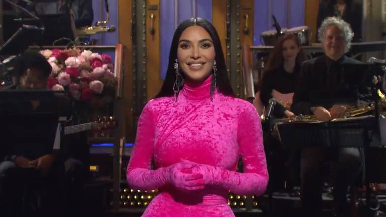 An image that illustrates this article Kim Kardashian on 'SNL': Celebrity cameos and a family roasting