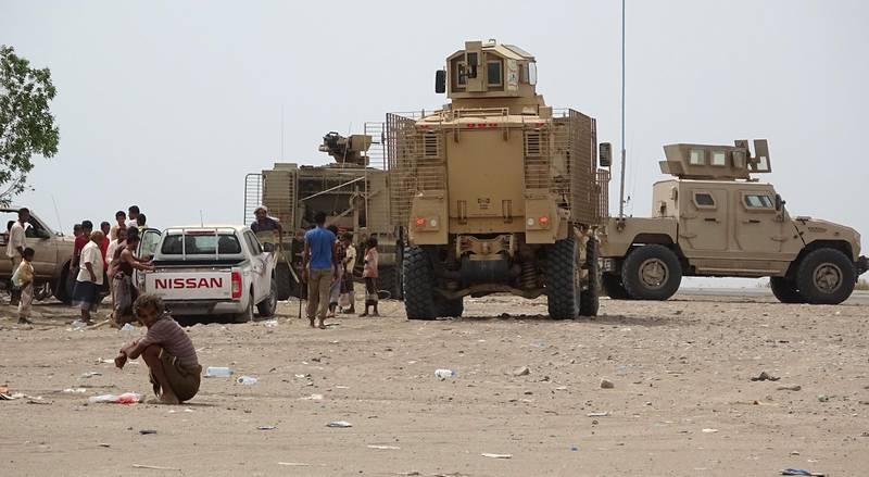 Pro-government Yemeni forces gather in Yemen's Hodeida province near the city of  Zabid on June 6, 2018.  / AFP / NABIL HASSAN