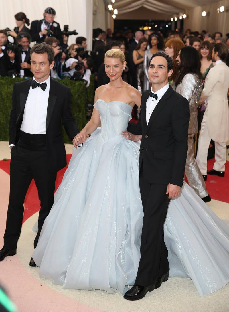 epa05287787 Actors Hugh Dancy (L), Claire Danes (C) and designer Zac Posen arrive on the red carpet for the 2016 Costume Institute Benefit at The Metropolitan Museum of Art celebrating the opening of the exhibit 'Manus x Machina: Fashion in an Age of Technology' in New York, New York, USA, 02 May 2016.  The exhibit will be on view at the Metropolitan Museum of Art's Costume Institute from 05 May to 14 August 2016.  EPA/JUSTIN LANE
