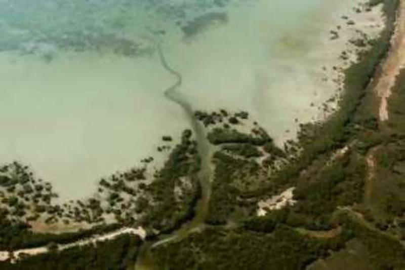 ABU DHABI, UNITED ARAB EMIRATES - November 6, 2008: Aerial photographs of islands off the coast of Abu Dhabi, on route to Sir Bani Yas Island in the Western Region of Abu Dhabi. ( Ryan Carter / The National ) *** Local Caption ***  RC005-Aerials.jpgRC005-Aerials.jpg