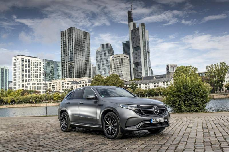 Mercedes-Benz EQC 400 4MATIC; designo selenitgrau magno; AMG Line; Ledernachbildung ARTICO; Mikrofaser DINAMICA schwarz;Stromverbrauch kombiniert: 21,3-20,2 kWh/100 km;CO2-Emissionen kombiniert: 0 g/km*Mercedes-Benz EQC 400 4MATIC; designo selenite grey magno; AMG Line; ARTICO man-made leather / DINAMICA microfiber black;Combined power comsumption: 21.3-20.2 kWh/100 km; combined CO2 emissions: 0 g/km*