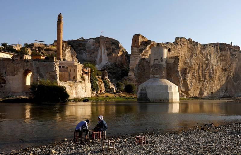 FILE PHOTO: The Tigris river flows through the ancient town of Hasankeyf, which will be submerged by the Ilisu dam in southeastern Turkey, September 27, 2017. REUTERS/Umit Bektas/File Photo