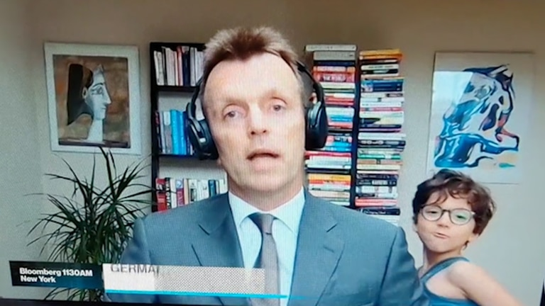 An image that illustrates this article Son crashes finance experts TV interview