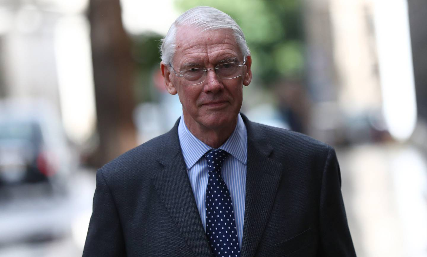 epa06202304 Sir Martin Moore-Bick, the judge for the Grenfell Tower Inquiry, arrives at the High Court in London, Britain, 13 September 2017.  A public inquiry into the Grenfell Tower fire, which killed at least 80 people and destroyed Grenfell Tower on 14 June 2017, will start formally on 14 September 2017.  EPA/NEIL HALL