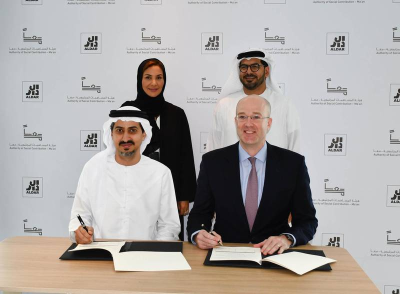 Ma'an and Aldar have signed a strategic agreement that will see both organizations address priority social challenges through social contracting. Dr. Saif Alshaali, Executive Director – Social Incubator and Contracting (Acting), Ma'an, and Greg Fewer, Chief Financial & Sustainability Officer, Aldar, signed the Memorandum of Understanding at a signing ceremony on 9th March 2020, in the presence of H.E. Salama Al Ameemi, Director General of Ma'an, and Talal Al Dhiyebi, Chief Executive Officer, Aldar. Courtesy Aldar