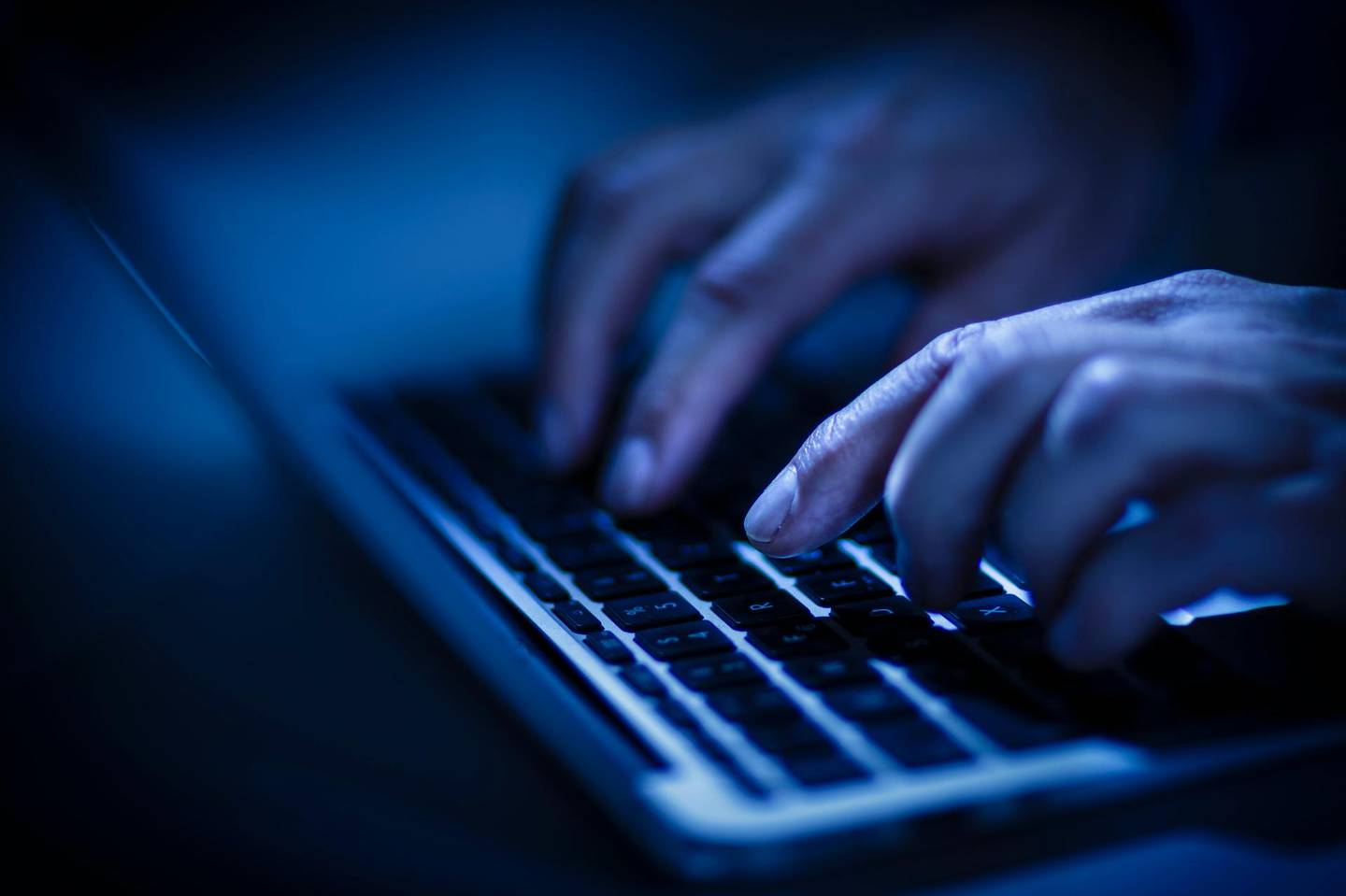 BERLIN, GERMANY - JUNE 22: In this photo Illustration hands typing on a computer keyboard on June 22, 2016 in Berlin, Germany. (Photo Illustration by Thomas Trutschel/Photothek via Getty Images) *** Local Caption ***  op27se-online-troll.jpg