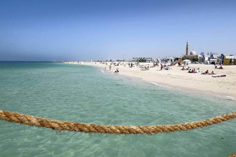 DUBAI, UNITED ARAB EMIRATES , Feb 08 – View of the kite beach in Umm Suqeim area in Dubai. (Pawan Singh / The National) For News/Stock/Online/Instagram. Story by Georgia