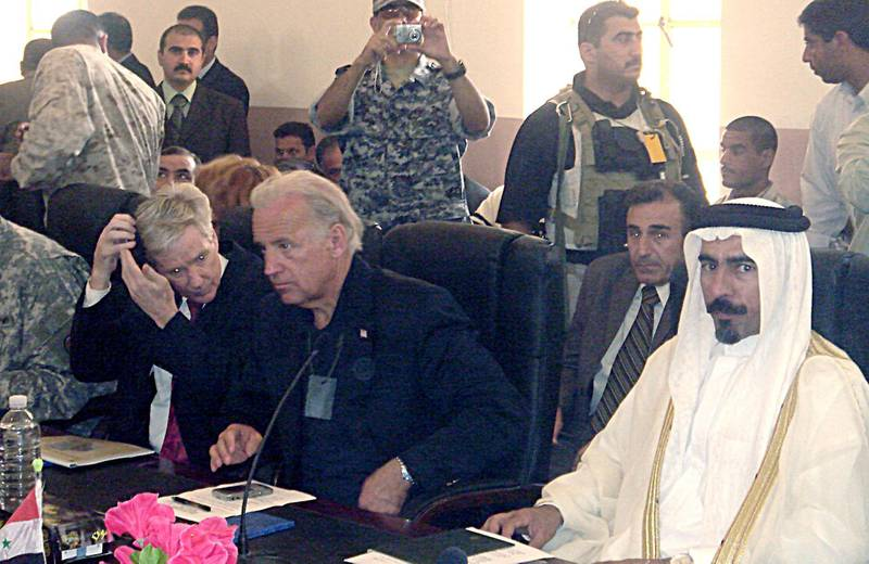 This 06 September, 2007 photo, courtesy of US Senator Joseph Biden's office, shows the Demoratic Delaware Senator(C) meeting with Iraqi tribal leaders in the Anbar Province in Iraq. AFP PHOTO/HO/Courtesy of Senator Biden's office/RESTRICTED TO EDITORIAL USE/ GETTY OUT (Photo by HO / Joe Biden / AFP)