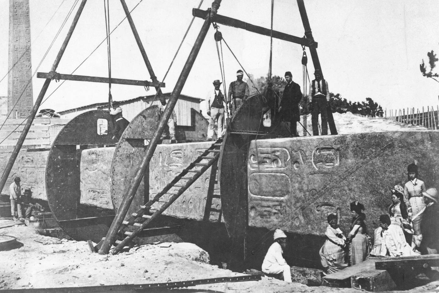 circa 1877:  Cleopatra's Needle being encased for its transportation to the embankment, London.  (Photo by General Photographic Agency/Getty Images)