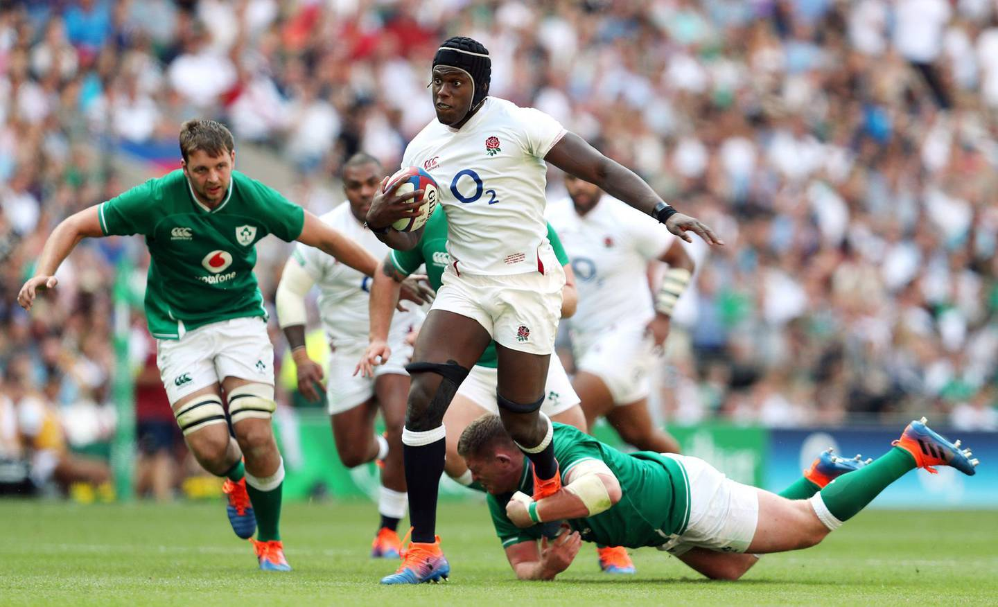 England's Maro Itoje scores his side's fourth try of the game during the Quilter International match at Twickenham Stadium, London. PRESS ASSOCIATION Photo. Picture date: Saturday August 24, 2019. See PA story RUGBYU England. Photo credit should read: David Davies/PA Wire. RESTRICTIONS: Editorial use only, No commercial use without prior permission