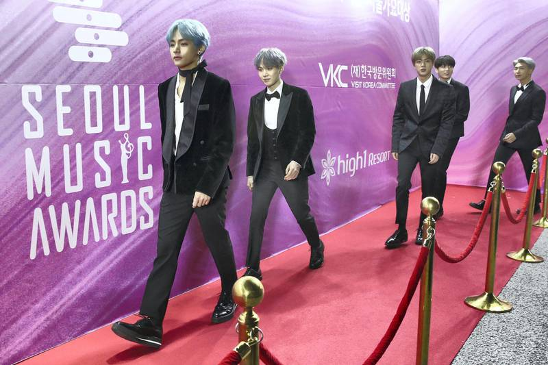 SEOUL, SOUTH KOREA - JANUARY 15: South Korean boy band BTS attend the Seoul Music Awards on January 15, 2019 in Seoul, South Korea. (Photo by Chung Sung-Jun/Getty Images)
