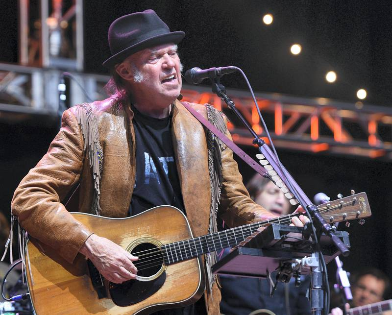 MOUNTAIN VIEW, CA - OCTOBER 23:  Neil Young performs during the 30th Anniversary Bridge School Benefit Concert at Shoreline Amphitheatre on October 23, 2016 in Mountain View, California.  (Photo by C Flanigan/FilmMagic)
