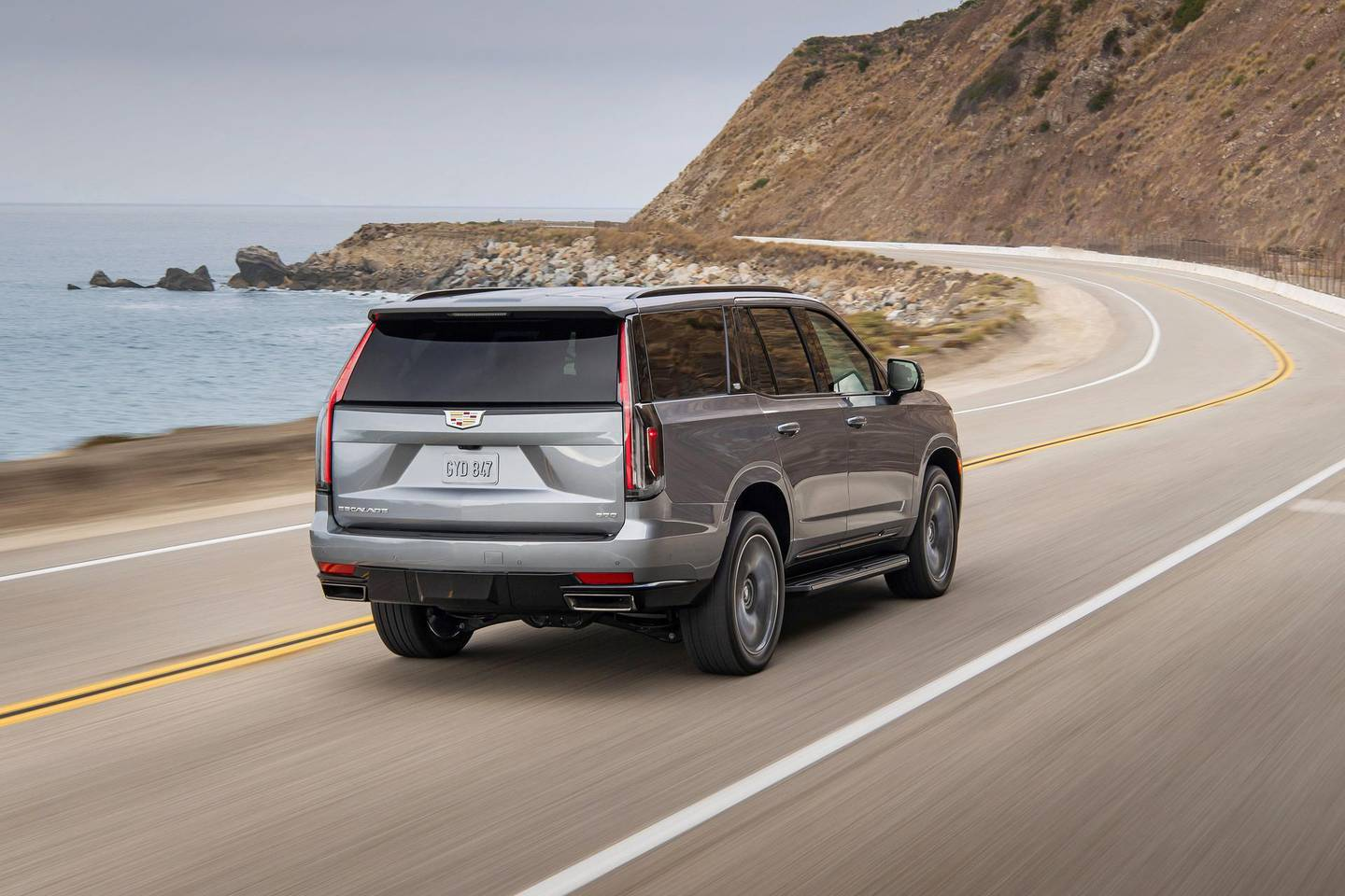 The tall, vertical, rear light signature continues on the new 2021 Escalade but adds deep three-dimensional layers and finishes with detailed etching.