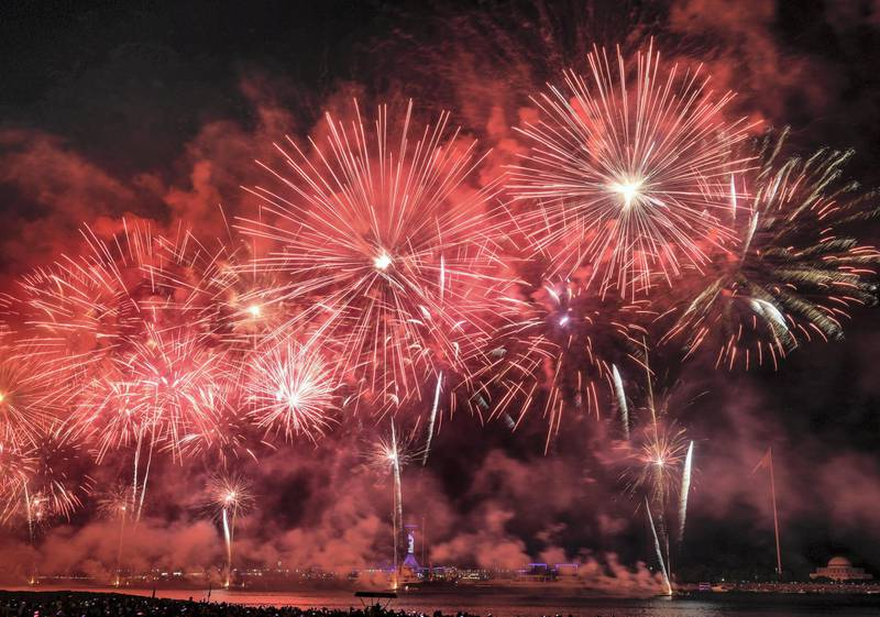 Abu Dhabi, United Arab Emirates - The massive colourful display of fireworks to ring in 2019 at the Corniche on December 31, 2018. Khushnum Bhandari for The National