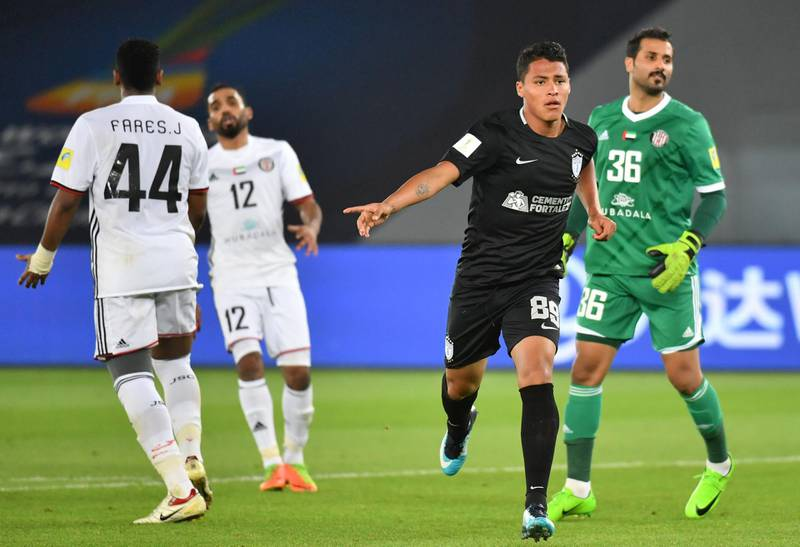 CF Pachuca's Mexican forward Roberto De La Rosa (2R) celebrates after scoring a goal during the third place football match of the FIFA Club World Cup UAE 2017 between Al-Jazira and CF Pachuca at the Bin Zayed Stadium in Abu Dhabi on December 16, 2017.   / AFP PHOTO / GIUSEPPE CACACE