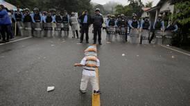 Honduran migrants defy Donald Trump to continue long march north