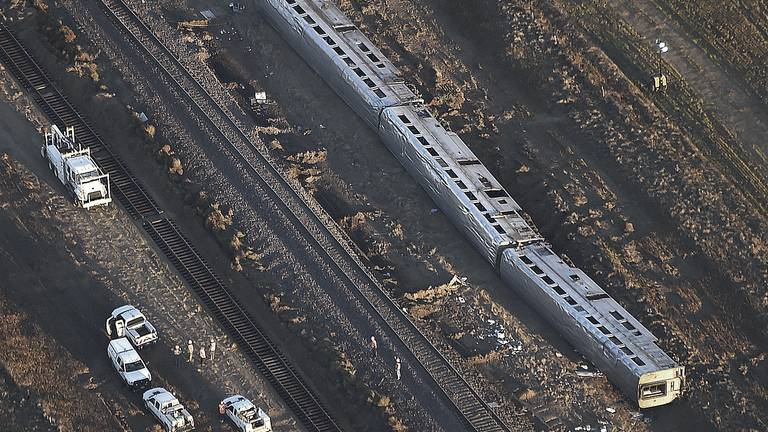 An image that illustrates this article Investigators look into deadly Amtrak derailment in Montana