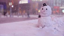 Snow is falling: Nor'easter blast turns New York City into a winter wonderland