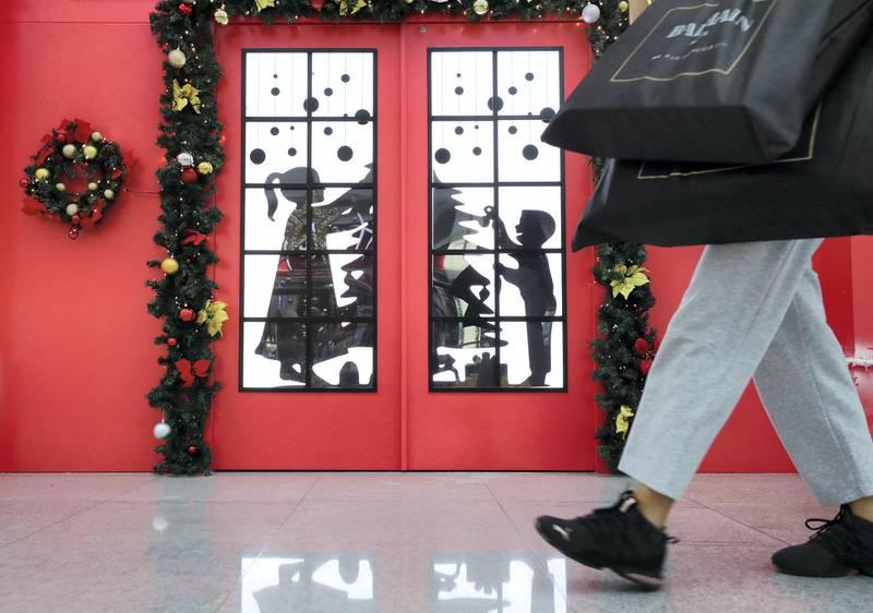 Dubai, United Arab Emirates - Reporter: N/A: Photo project. Christmas decorations in Dubai Mall. Monday, December 9th, 2019. Dubai Mall, Dubai. Chris Whiteoak / The National