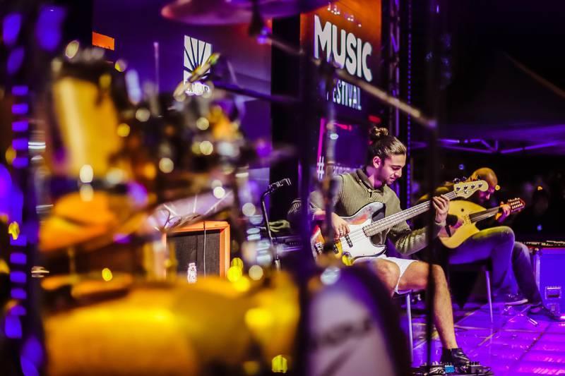 Noon perfroming at Dubai Marina Music Festival in December 2017