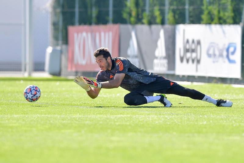 TURIN, ITALY - OCTOBER 27: Juventus player Gianluigi Buffon during the UEFA Champions League training session at JTC on October 27, 2020 in Turin, Italy. (Photo by Daniele Badolato - Juventus FC/Juventus FC via Getty Images)