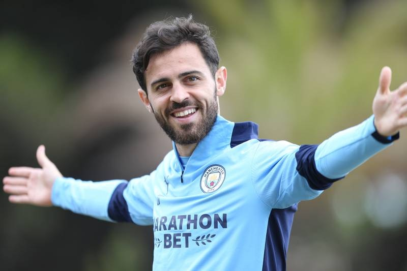 LISBON, PORTUGAL - AUGUST 11: Bernardo Silva of Manchester City takes part in a stretching session in the build up to the UEFA Champions League Quarter Final match at the team hotel on August 11, 2020 in Lisbon, Portugal. (Photo by Victoria Haydn/Manchester City FC via Getty Images)