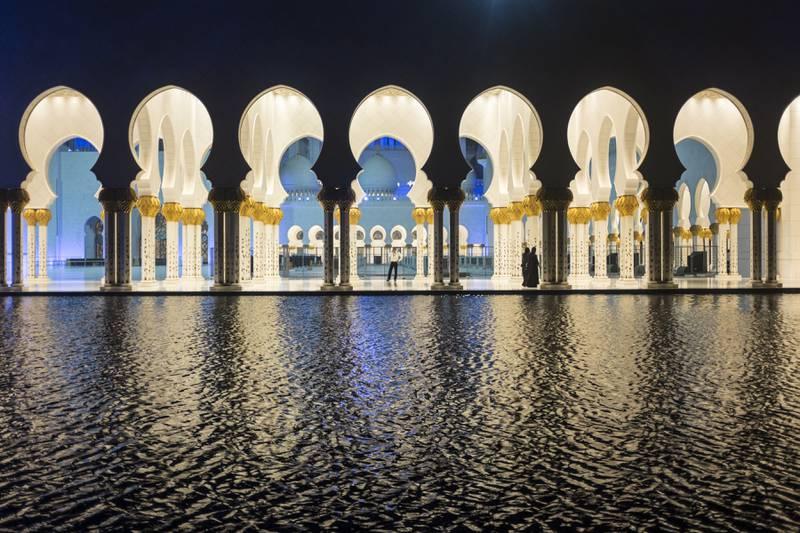 ABU DHABI, UNITED ARAB EMIRATES, JUNE 16, 2015. Sheikh Zayed Grand Mosque. Photographer: Reem Mohammed / The National *** Local Caption ***  RM_20160616_ZAYED_021.JPG