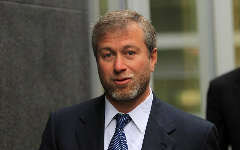 FILE PHOTO: Russian billionaire and owner of Chelsea football club Roman Abramovich arrives at Commercial Court in London January 19, 2012. REUTERS/Olivia Harris/File Photo