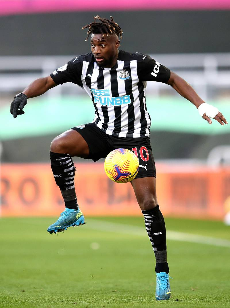 NEWCASTLE UPON TYNE, ENGLAND - NOVEMBER 21: Allan Saint-Maximin of Newcastle United during the Premier League match between Newcastle United and Chelsea at St. James Park on November 21, 2020 in Newcastle upon Tyne, England. Sporting stadiums around the UK remain under strict restrictions due to the Coronavirus Pandemic as Government social distancing laws prohibit fans inside venues resulting in games being played behind closed doors. (Photo by Alex Pantling/Getty Images)